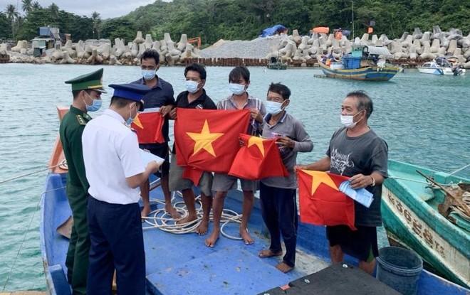 Cơ sở pháp lý vững chắc để lực lượng Cảnh sát biển thực hiện nhiệm vụ ảnh 1