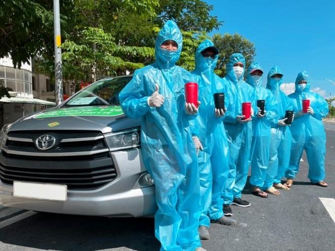 Grab hợp tác cùng Panasonic lắp 150 thiết bị lọc không khí trên xe GrabCar Y tế ảnh 1