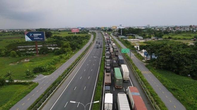 Trạm thu phí cao tốc Pháp Vân- Cầu Giẽ ùn tắc dài 3km, nguyên nhân do đâu? ảnh 1