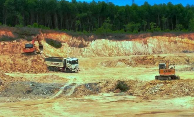 Cao tốc Bắc- Nam lại lo chậm vì thiếu đất đắp nền đường ảnh 1