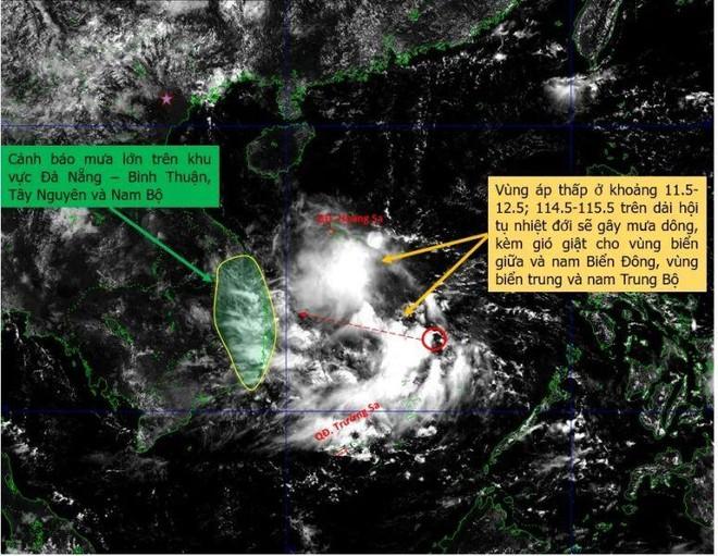 Áp thấp nhiệt đới có thể xuất hiện trên Biển Đông vào cuối tuần ảnh 1