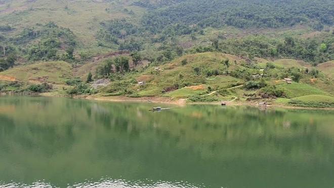 Hà Giang: Lật thuyền trên sông Gâm, bốn học sinh mất tích trong đêm ảnh 1