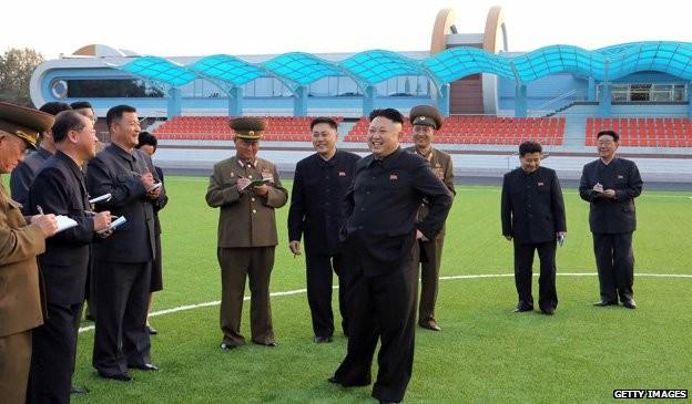 Bí ẩn những người luôn ghi chép tỉ mỉ xung quanh Chủ tịch Kim Jong-un? ảnh 4