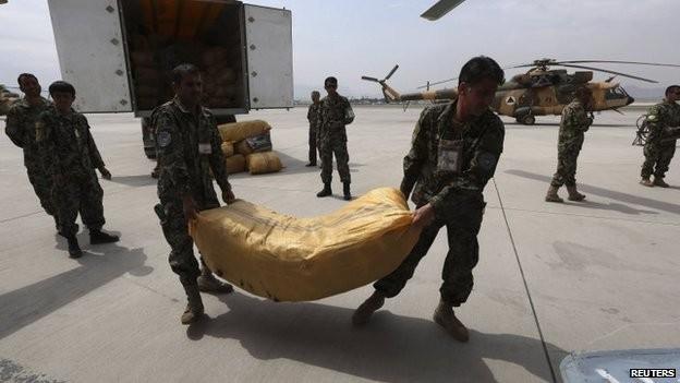 Sạt lở đất ở Afghanistan: Ngôi mộ tập thể ở làng Ab Barik ảnh 2