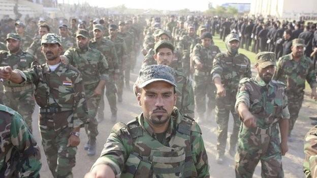 Lính Shia biểu dương lực lượng làm tăng căng thẳng ở Iraq ảnh 1