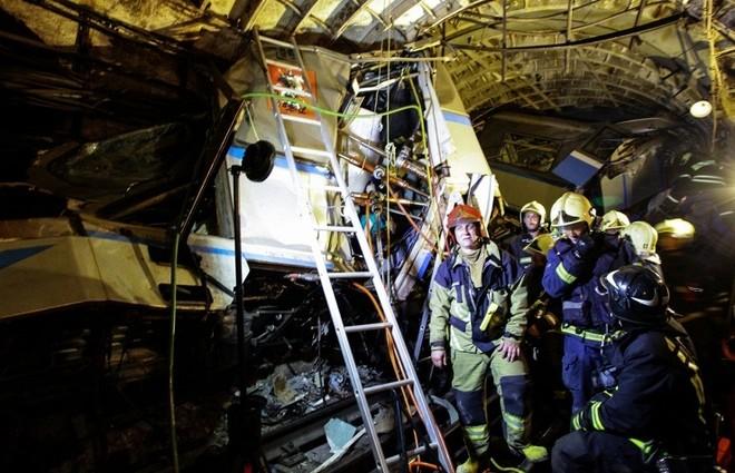 Thảm kịch tàu điện ngầm Moscow: 22 người chết, hàng trăm người bị thương ảnh 1