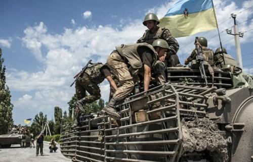Giao tranh quân sự tại miền Đông Ukraine gây hoạ cho dân thường ảnh 1