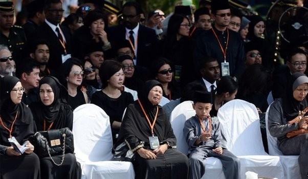 Vụ MH17: Thi thể 20 nạn nhân Malaysia đầu tiên về đến Kuala Lumpur ảnh 3
