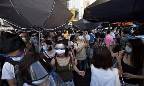 """Anh """"lo lắng"""" cho Hong Kong, Trung Quốc """"tức tối ra mặt"""" ảnh 1"""