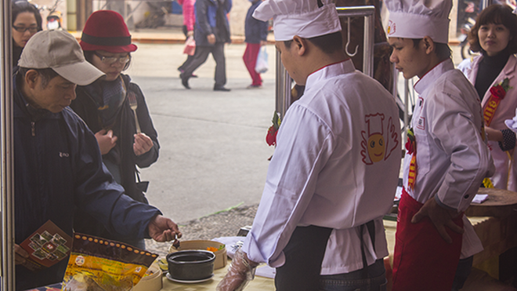 Nhiều nét độc đáo tại hội chợ Xuân đón Tết cổ truyền Giáp Ngọ ảnh 4