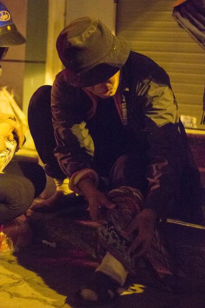 """Ấm lòng trong """"Đêm không ngủ"""" với người vô gia cư ảnh 12"""