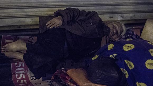 """Ấm lòng trong """"Đêm không ngủ"""" với người vô gia cư ảnh 6"""