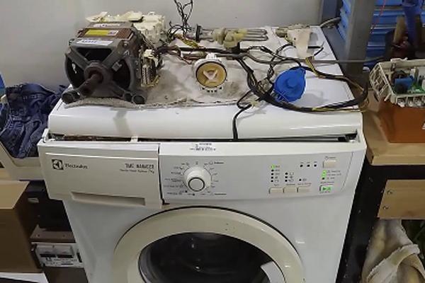 10 nguyên nhân khiến máy giặt Electrolux bị hỏng ảnh 1
