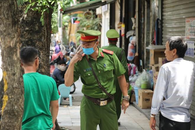 Hà Nội ban hành công điện khẩn yêu cầu triển khai nghiêm túc biện pháp phòng chống Covid-19 ảnh 1