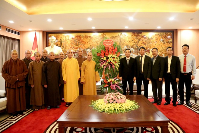 Chủ tịch UBND TP mong muốn Giáo hội Phật giáo Việt Nam TP Hà Nội đồng hành xây dựng Thủ đô ảnh 1