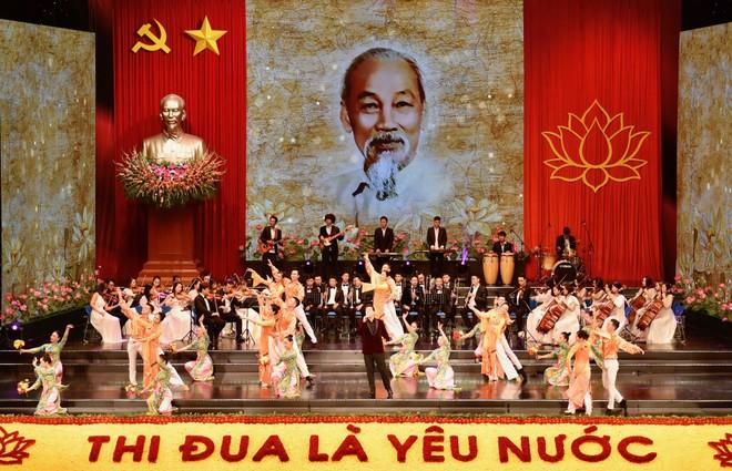 Thủ tướng Nguyễn Xuân Phúc: Không thử thách nào dân tộc ta không thể vượt qua ảnh 3
