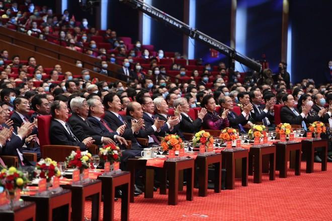 Thủ tướng Nguyễn Xuân Phúc: Không thử thách nào dân tộc ta không thể vượt qua ảnh 2