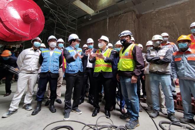 Video: Chủ tịch Hà Nội động viên công nhân công trường đường sắt đô thị ngày 29 Tết Tân Sửu ảnh 1