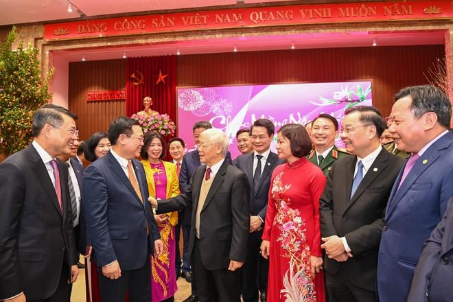 Tổng Bí thư, Chủ tịch nước Nguyễn Phú Trọng tặng thơ lục bát chúc Tết Thủ đô Hà Nội ảnh 1