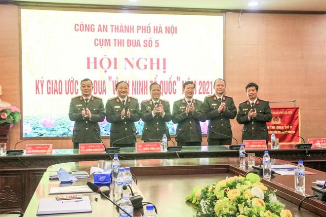 Cụm thi đua số 5 CATP Hà Nội hoàn thành xuất sắc nhiệm vụ chuyên môn, thêm nhiều phần việc vì cộng đồng ảnh 2