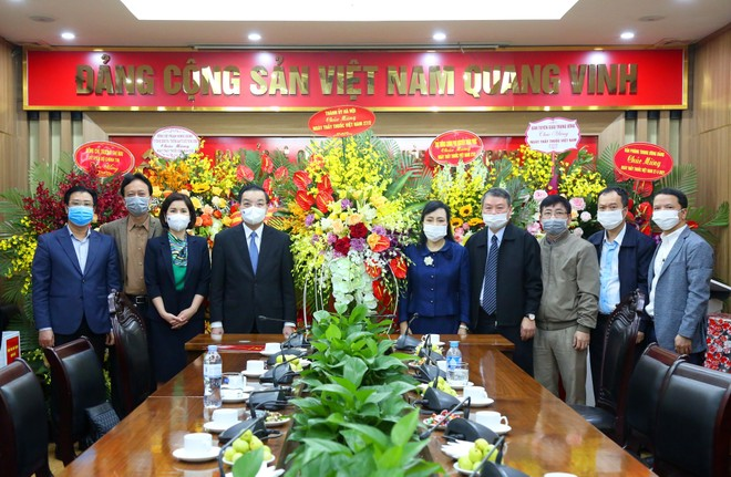 Chủ tịch UBND TP Hà Nội chúc mừng Ban Bảo vệ chăm sóc sức khỏe cán bộ Trung ương ảnh 1