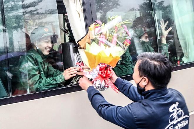 Chủ tịch UBND TP Hà Nội động viên tân binh huyện Chương Mỹ lên đường nhập ngũ ảnh 2