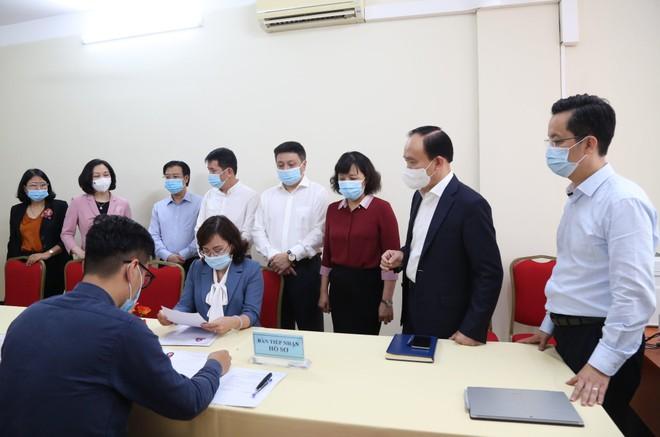 Chủ tịch HĐND TP Hà Nội kiểm tra công tác phục vụ bầu cử ở quận Hoàn Kiếm ảnh 1