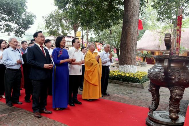 Dâng hương tưởng niệm, tri ân vị Vua anh minh có công với đất nước và Thăng Long - Hà Nội ảnh 1