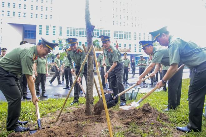 Cụm thi đua số 5 - CATP Hà Nội trồng cây đời đời nhớ ơn Chủ tịch Hồ Chí Minh ảnh 1