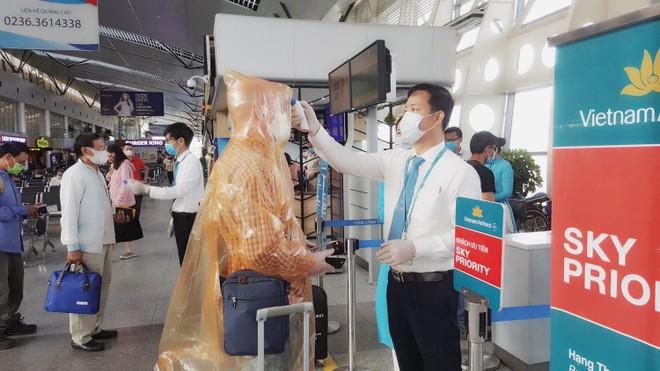Người về Hà Nội sau kỳ nghỉ lễ 30/4 khai báo y tế không trung thực sẽ bị xử lý nghiêm ảnh 1