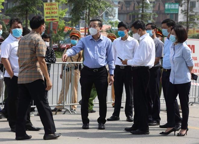 Kiểm tra phong tỏa Bệnh viện K cơ sở Tân Triều, Chủ tịch Hà Nội yêu cầu chấn chỉnh công tác kiểm soát ổ dịch ảnh 1