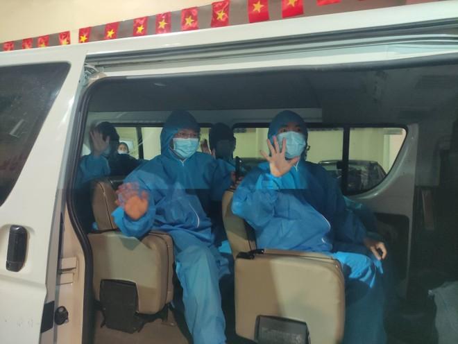 Hà Nội tiếp tục hỗ trợ xét nghiệm cho Bắc Giang ảnh 1