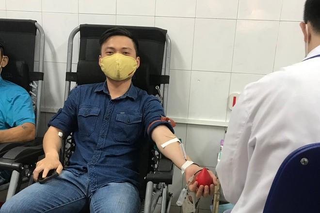 """Thanh niên Công an Thủ đô hiến máu giúp thai phụ cấp cứu """"vượt cạn"""" thành công ảnh 1"""