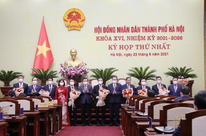 Hà Nội bầu 6 Phó Chủ tịch và 21 Ủy viên UBND TP nhiệm kỳ 2021-2026 ảnh 1