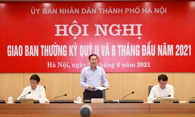 Hà Nội chỉ đạo kiểm tra rà soát, đảm bảo đời sống công nhân thu gom rác bị nợ lương ảnh 1