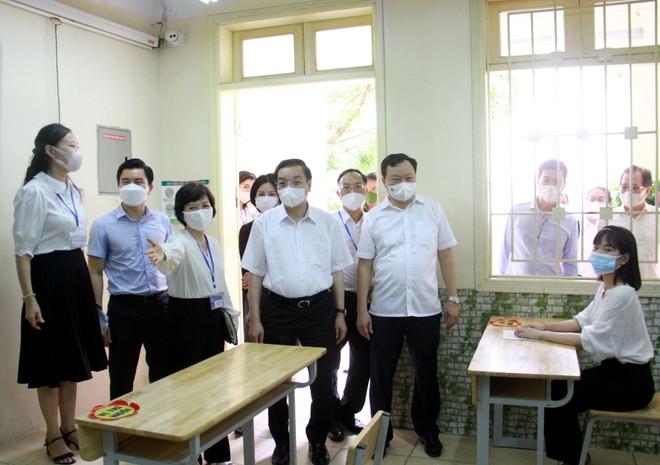 """Chủ tịch Hà Nội: Mọi công tác phải gắn với yêu cầu """"tuyệt đối"""", đảm bảo phòng dịch cho kỳ thi tốt nghiệp THPT ảnh 1"""