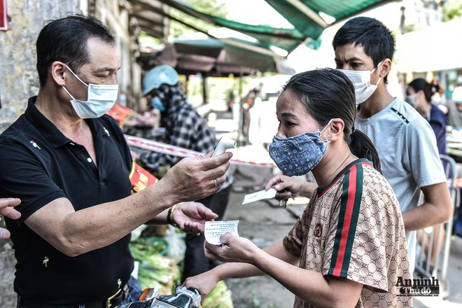 Sở Công Thương Hà Nội nói về việc phát thẻ đi chợ cho người dân, cấp phép shipper chuyển hàng thiết yếu ảnh 1