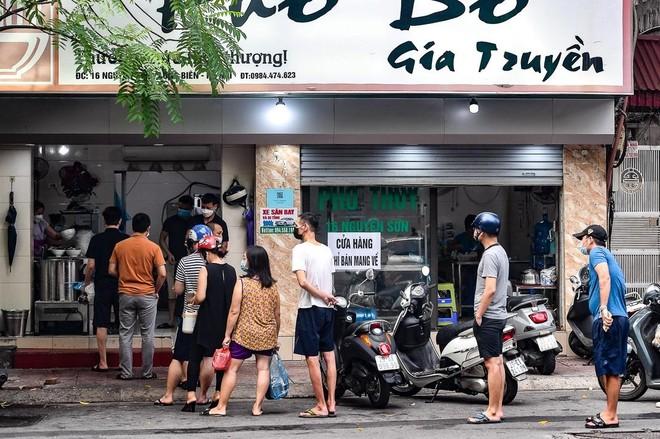 Hà Nội: Từ trưa 16/9, cho phép hàng ăn uống bán mang về, đóng cửa trước 21h ảnh 1