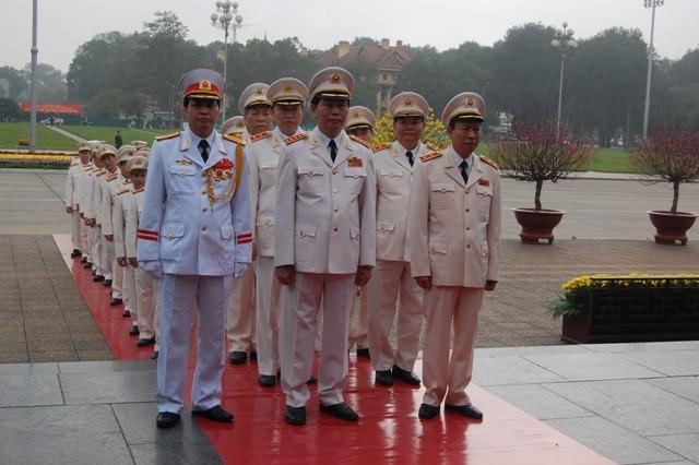 Lãnh đạo Đảng, Nhà nước, Chính phủ, Quốc hội viếng Chủ tịch Hồ Chí Minh ảnh 4