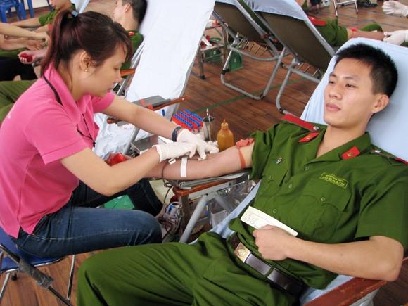 Giọt máu nghĩa tình vì đồng đội thân yêu ảnh 3