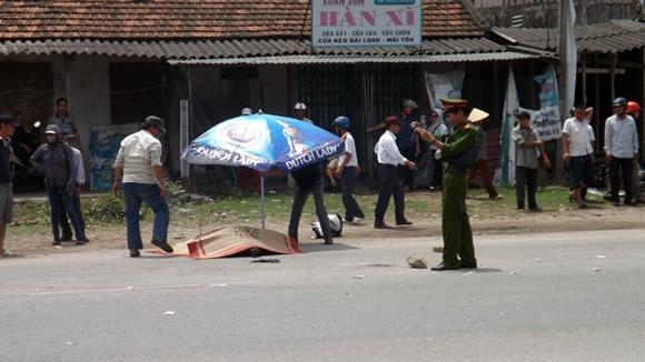 Một cán bộ phòng văn hóa bị xe tải chẹt tử vong ảnh 1