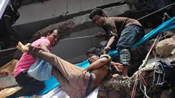 Số người chết trong vụ sập tòa nhà 8 tầng ở Bangladesh vượt quá 900 ảnh 2