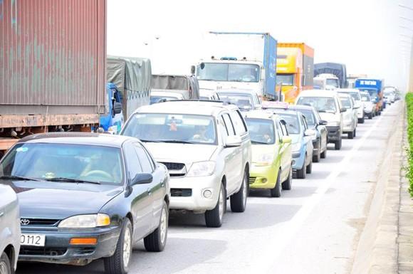 Tai nạn giao thông liên hoàn trên cầu Thanh Trì ảnh 3
