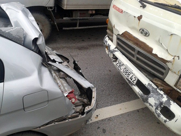 Tai nạn giao thông liên hoàn trên cầu Thanh Trì ảnh 2