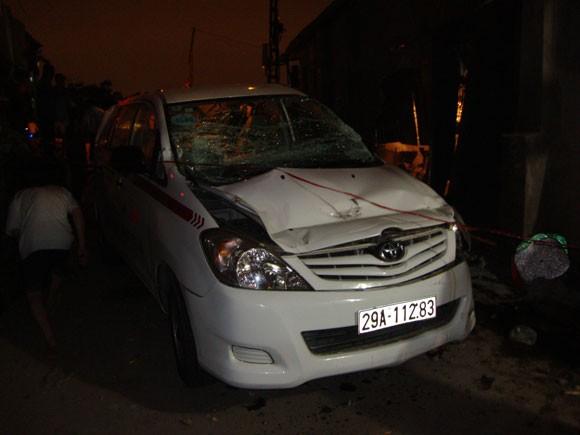 Khởi tố tài xế taxi vượt đường sắt khiến 9 người thương vong