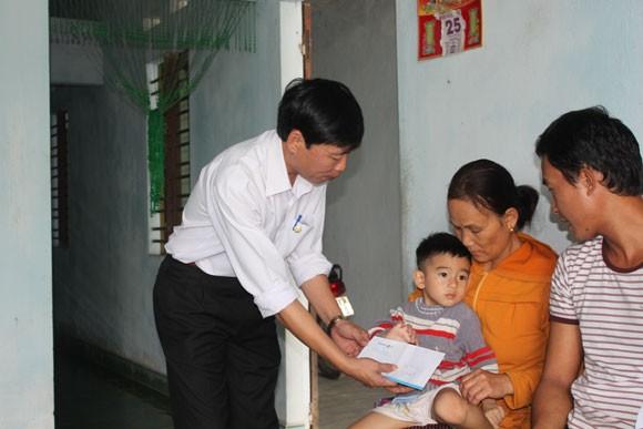 Bảo hiểm nhân thọ hỗ trợ kịp thời cho nạn nhân siêu bão ảnh 1