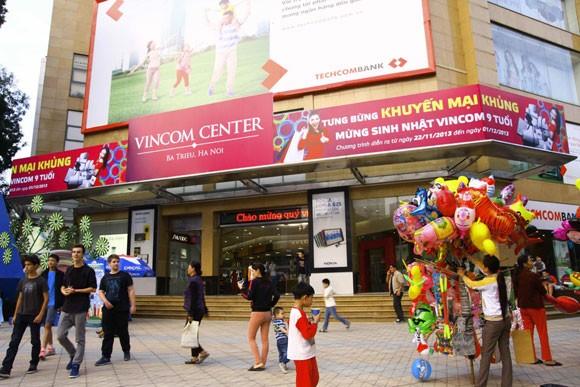 Tưng bừng khuyến mại mừng sinh nhật Vincom center Bà Triệu ảnh 2
