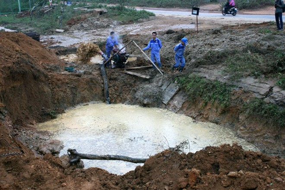 Cấp nước trở lại cho 70.000 hộ dân sau sự cố vỡ đường ống dẫn nước sạch ảnh 2