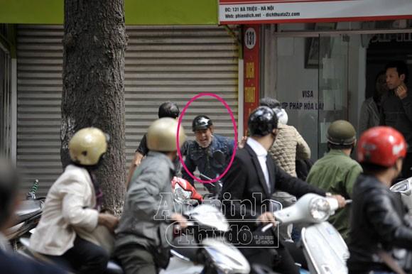 Phóng viên dũng cảm bắt cướp suýt bị dân đánh nhầm ảnh 1