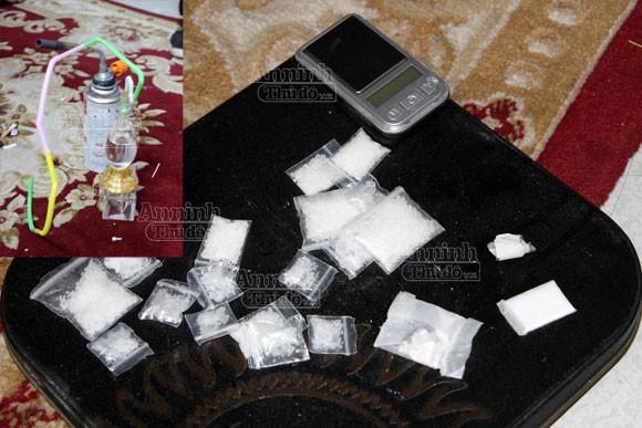 """Đối tượng trốn lệnh truy nã bị phát hiện khi đang """"phê"""" ma túy ảnh 3"""